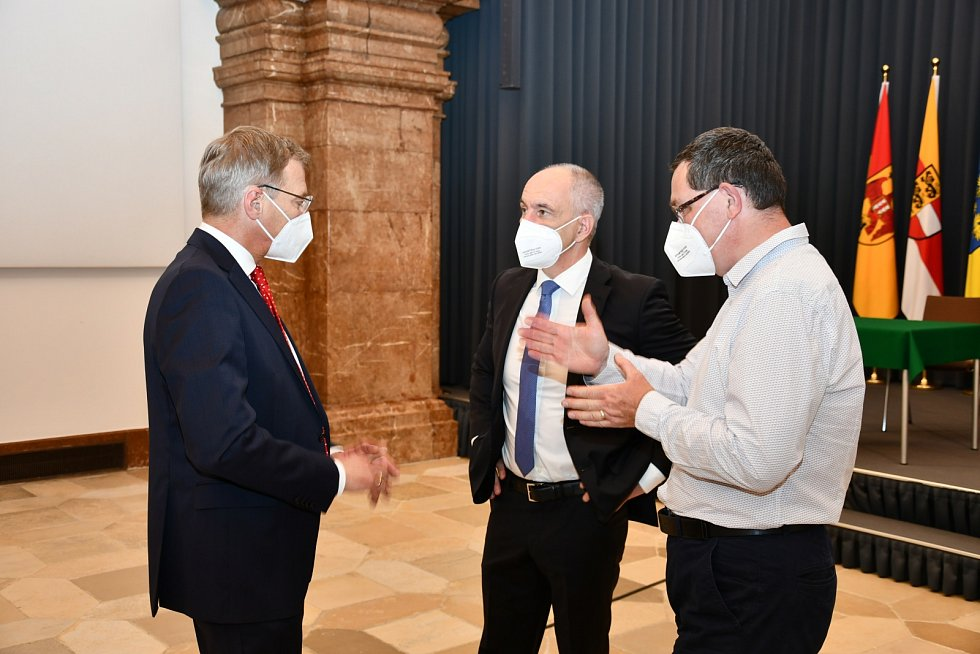 Nové výzvy pro sousedské soužití. Hejtman v Linzi setkal se svým protějškem