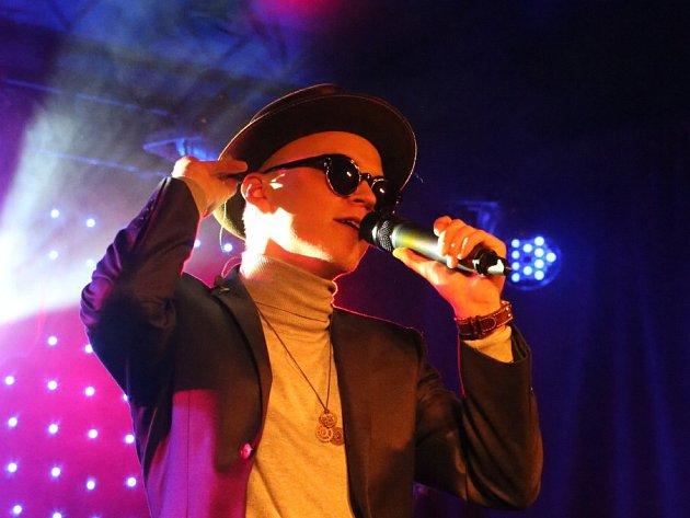 Skupina Pub Animals, jež získala Cenu Anděl, natočila nové album Fatherland. To se může klidně měřit se světovou konkurencí. Na snímku zpěvák Štěpán Hebík.