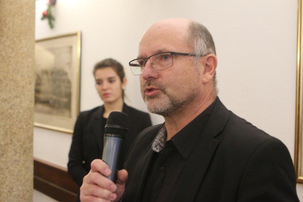 Přítomen byl Milan Timko, ředitel SOŠ strojní a elektrotechnické ve Velešíně.