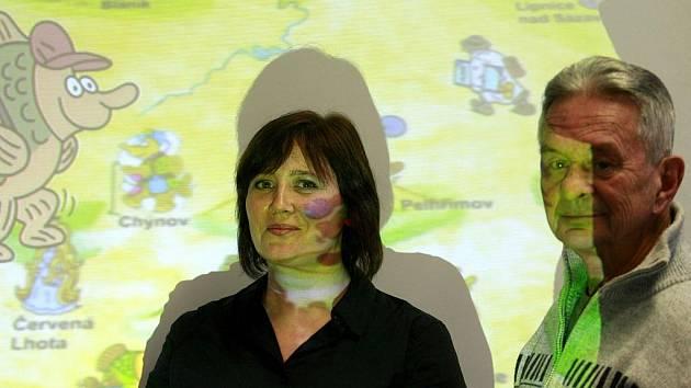 Křest pilotu jihočeských TV večerníčků. Kreslíř Jaroslav Kerles a autorka pohádek Bára Stluková.