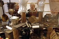 Výstava, která otevírá dveře do domácností hospodyněk v období  konce 19. století  do poloviny 20. století, se těší velkému zájmu.