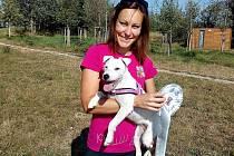 Parson Russel teriérka Kessy jede se svou paničkou Lucií Krauskopfovou na mistrovství světa v agility do Švédska.