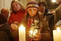Plamen zažehnutý na místě Kristova narození