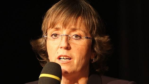 Bára Hrzánová.