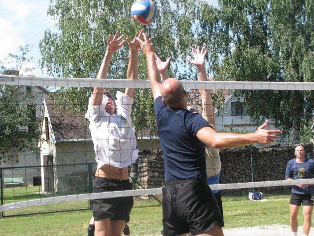 Volejbalový turnaj ve Dvorech nad Lužnicí