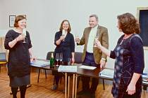 Ve čtvrtek se v kavárně v Riegerově ulici 51 v Českých Budějovicích křtila Kniha života. Ta má pomoci dětem, které vyrůstají v náhradních rodinách.