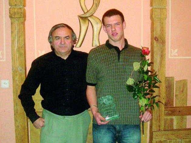 Sprinter SK Čéčova ČB  Martin Říčař byl v pátek večer ve Veselí nad Lužnicí slavnostně vyhlášen vítězem ankety Atlet Jihočeského kraje za uplynulý rok.