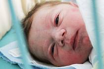 Prvorozeného syna si domů ve středu odvezli rodiče Monika a Petr Lundákovi. Matěj Lundák se narodil       v neděli 17. srpna 2014 v 10.22 hodin a vážil 3,73 kg. Všichni bydlí v Rožnově v Českých Budějovicích.
