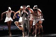 Ve čtvrtek nechyběl na plovoucím pódiu ani Balet Jihočeského divadla.