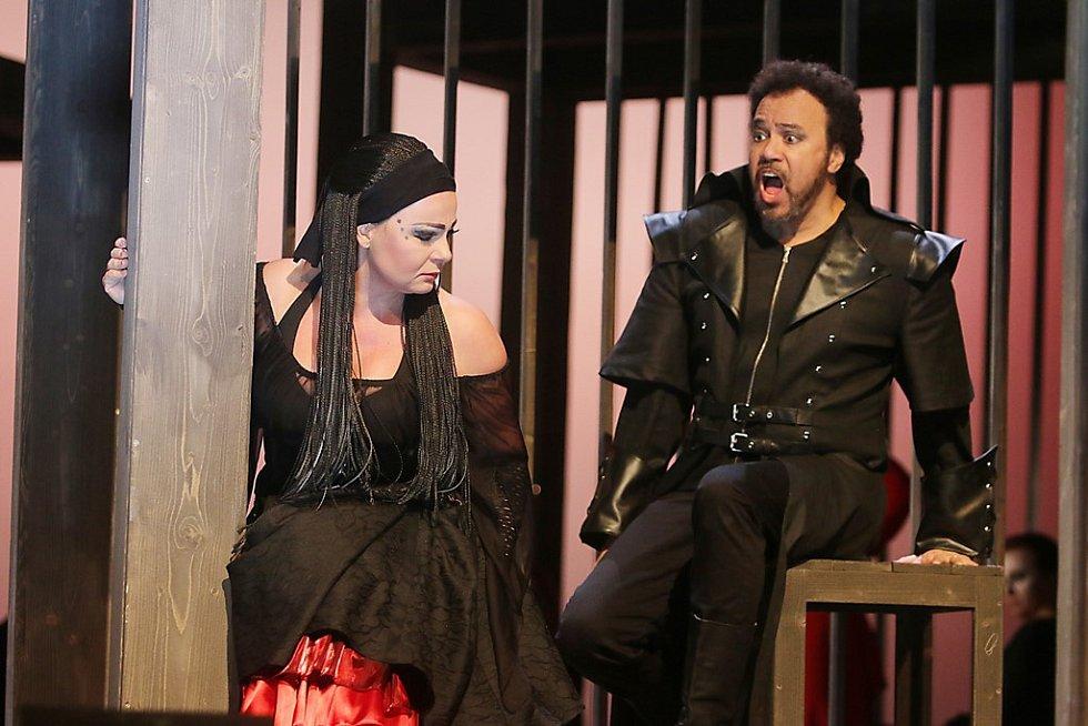 Nová opera Trubadúr měla v Jihočeském divadle premiéru 20. ledna 2017.