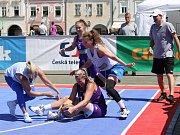 Sobota 10. června patří na náměstí Přemysla Otakara II. v Českých Budějovicích basketbalu. Po roce tam dorazila Chance 3x3 Tour. U Samsona vyrostly čtyři kurty s mobilními koši.