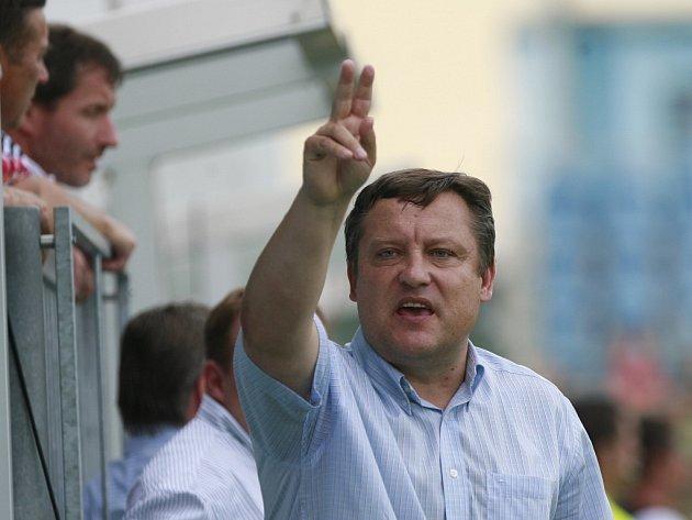 Jiří Kotrba zahájil sezonu na postě trenéra A-týmu, dokončil ji ale ve své funkci generálního manažera.