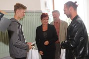 Talentovaní mladí studenti ve středu převzali ocenění v secesní síni Krajského úřadu v Českých Budějovicích