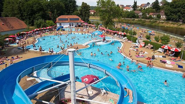 Molo u Sportovně-relaxačního areálu Hluboká nad Vltavou.