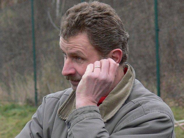 Mládský trenér Karel Tondr si vyžádal půlrok na odočinek a dostal jej. Kdo ho nahradí?