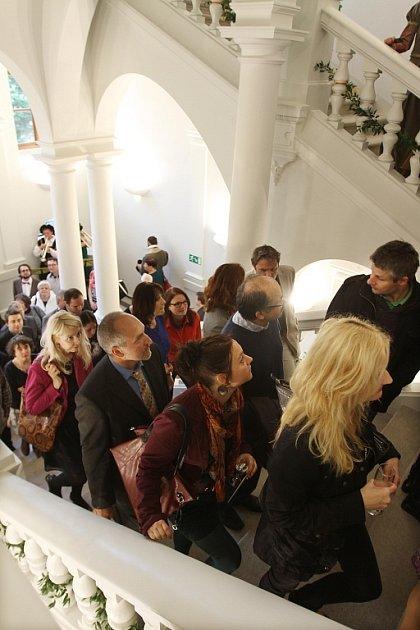 Skončila přestavba Jihočeského muzea za 120milionů korun. První návštěvníci si zatím prázdné sály prohlédli 16.května.