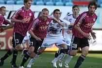 Na podzim fotbalisté Dynama hráli s Kladnem doma 0:0 (vpřed se derou Ondrášek, Černák a Sedláček), jak dopadne nedělní odveta na Kladně?
