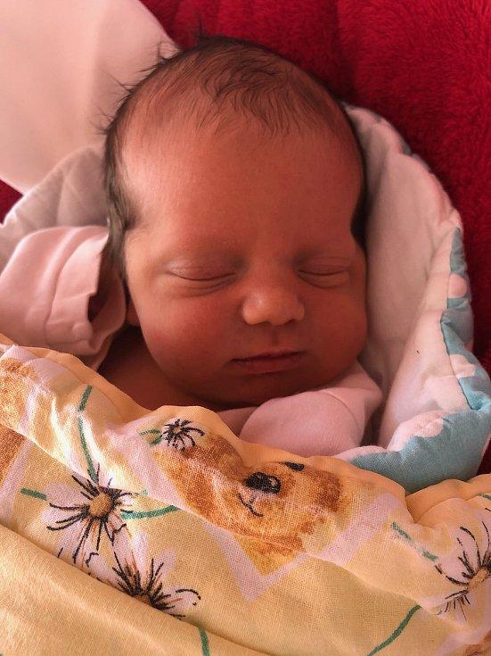 Aneta Kaprová a Václav Chodl jsou pyšnými rodiči novorozené Emy Chodlové. Narodila se 7. 1. 2021 ve 13.16 h., vážila 3,68 kg. Poznávat svět bude v Blatné.