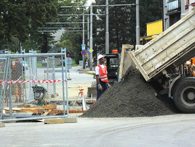 Rekonstrukce křižovatky ulic Dobrovodská a Vodní v Českých Budějovicích.