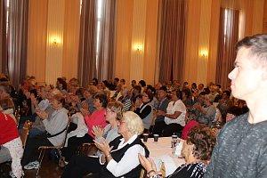 Seniory potěšil nestárnoucí Josef Laufer