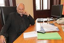 V čele města vydržel Jiří Svoboda 220 dní, než jej v červnu zastupitelé na návrh tehdy opoziční ČSSD odvolali z funkce. Vrátí se Jiří Svoboda s novou koalicí, jejíž součástí by tentokrát mohli být i sociální demokraté, znovu za primátorský stůl?