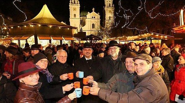 Vánoce na Náměstí dómu.