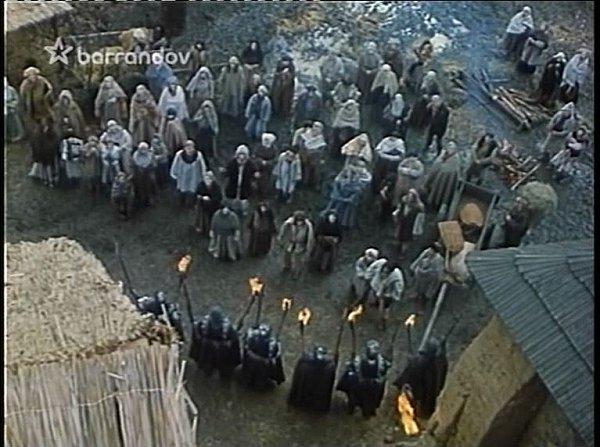 Záběr zfilmu Jestřábí moudrost, který se natáčel na tvrzi vKestřanech.