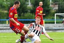 Mostecký Lukáš Schut, jehož Dynamo testuje, zastavuje brněnského Polácha.