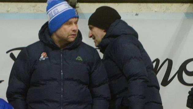 KOUČ A ASISTENT. Tomáš Matušík (vlevo) a Arpád Györi dovedli hokejisty Tábora v základní části na druhé místo