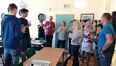 Mistry Evropy přijal ředitel Základní školy Oskara Nedbala, do které chodili