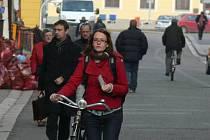 Podle rozsáhlé analýzy pěší dopravy, kterou si nechala udělat českobudějovická radnice, je jednou z nejvytíženějších ulic v centru města také Krajinská ulice.