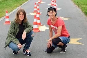 Autorky chodníku slavných žen Margit Greinöckerová a Betty Wimmerová.