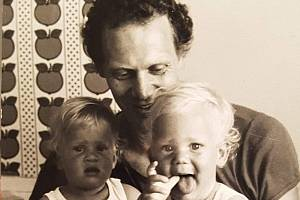 Na snímku legendární československý basketbalista Robert Mifka s dcerou Hanou (vlevo) a synem Robertem.