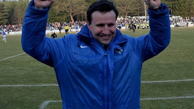 Z výhry nad Hradcem Králové se raduje trenér Táborska Petr Frňka.