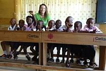 Naučí Rakušané africké děti slyšet?