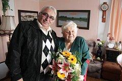 Přesně před padesáti lety si své ano řekli manželé Čiperovi z Dolních Kněžeklad u Týna nad Vltavou. V sobotu 11. 11. si manželský slib zopakovali. A oslavili tak zlatou svatbu.