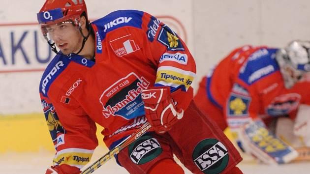 Milan Gulaš na měsíc odloží dres HC Mountfield a bude do konce listopadu hostovat na Kladně.