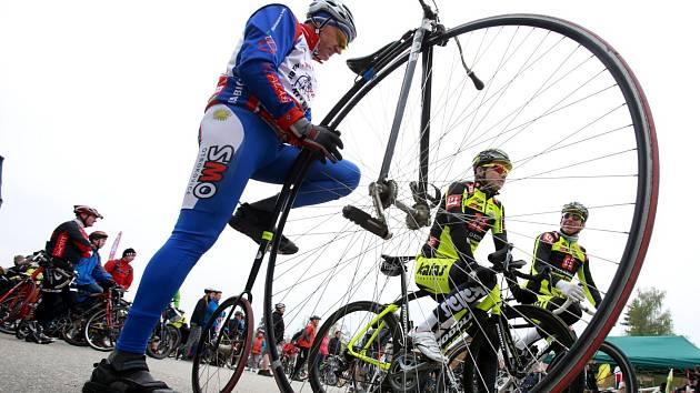 Sobotní slavnostní zahájení cyklistické sezóny na trase České Budějovice - Temelín.