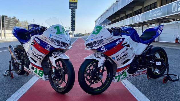 Motocykly obou španělských jezdců týmu Jakuba Smrže jsou nachystány na sezonu.