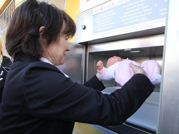 V Českých Budějovicích byl uveden do provozu babybox.