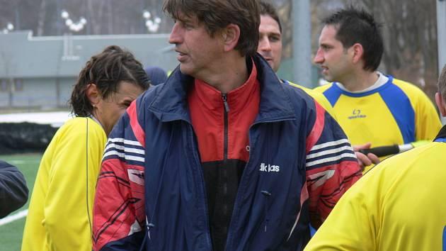 Týnský trenér Vladimír Švec uzavřel svůj fotbalový příběh na lavičce Olešníka, s nímž slavil postup do KP.