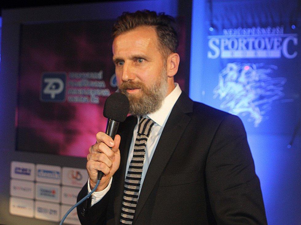 Karel Poborský byl při vyhlášení výsledků o jihočeské sportovce roku 2015 uveden do Síně slávy.