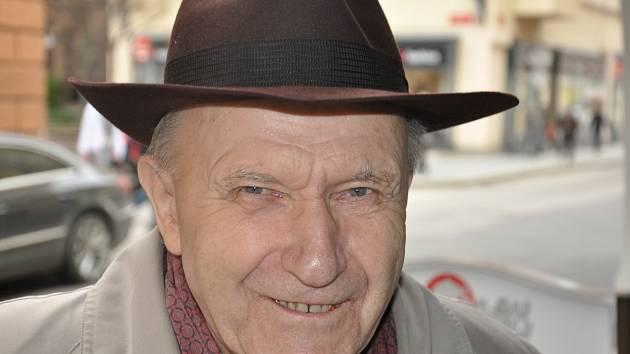 Mons. Václav Kulhánek.