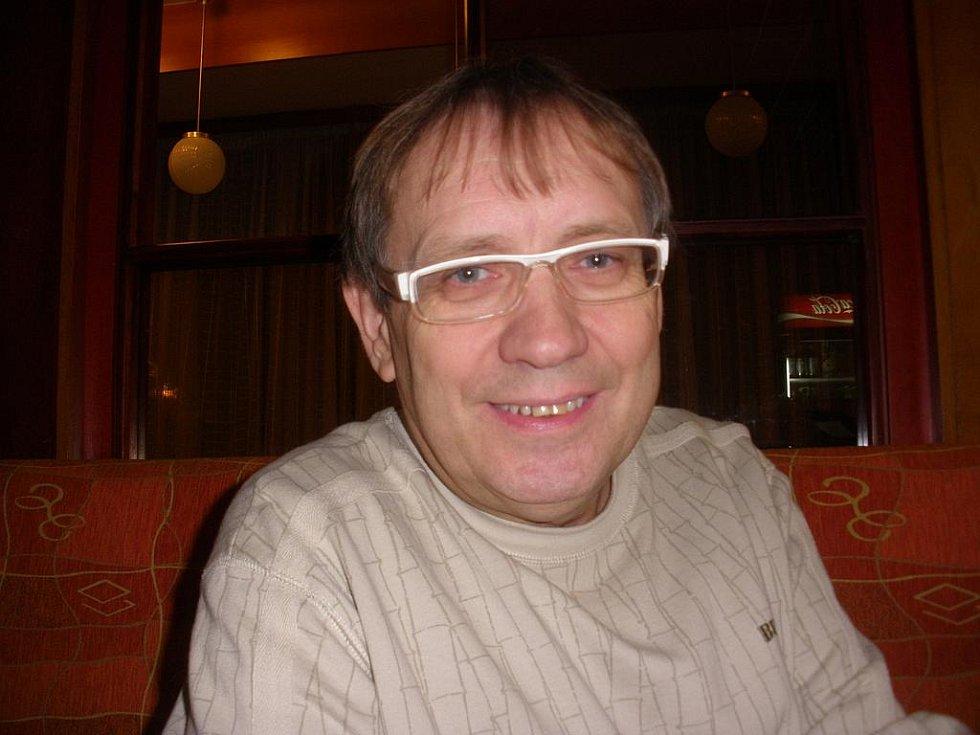 Známý herec, bavič a muzikant Josef Alois Náhlovský.