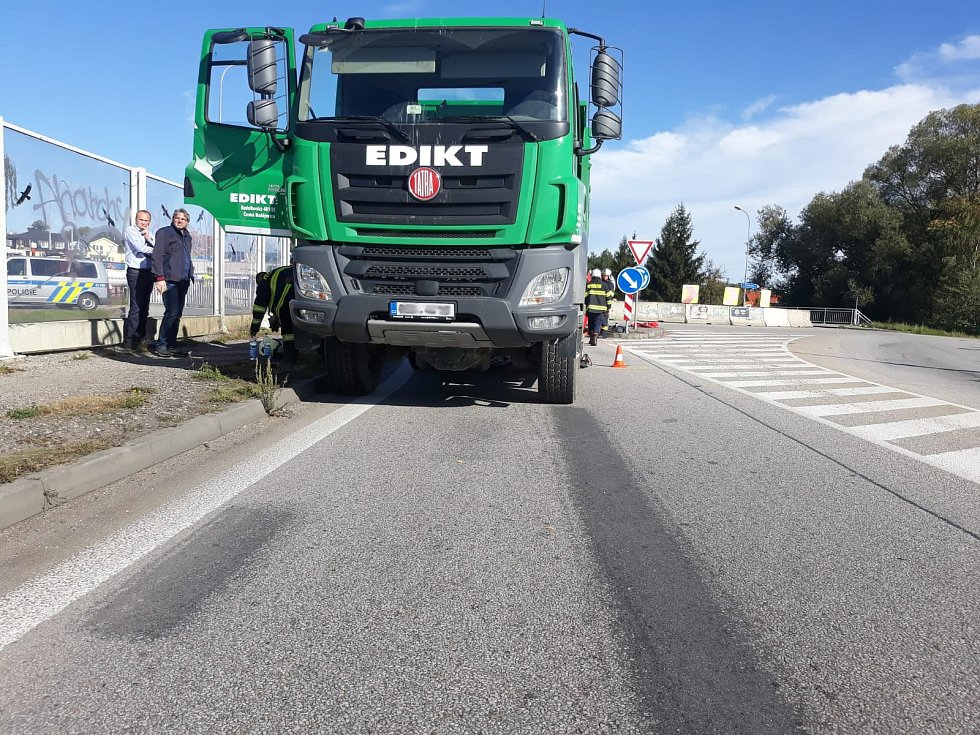 Srážku s náklaďákem v Litvínovicích cyklistka nepřežila.