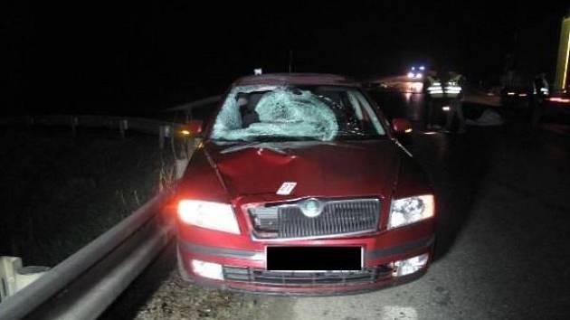 Nehoda auta s chodcem se smrtelnými následky se stala začátkem dubna v Rovné na Strakonicku. Obětí byl 64letý muž.