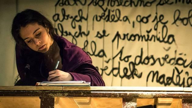 Tereza Vítů v představení Pohani v Jihočeském divadle.