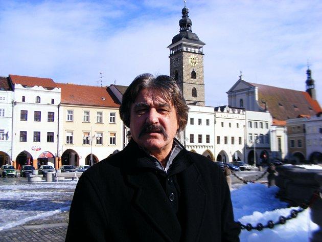 Útěk do pekel je název nové knihy českobudějovického spisovatele Františka Niedla, která vyjde 13. března.