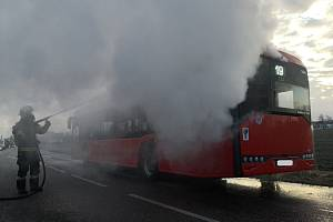 Středeční ráno na frekventované silnici I/3 v Litvínovicích