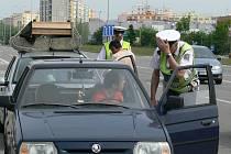 Od roku 2009 budou policisté chtít po řidičích ukazovat i zelenou kartu.